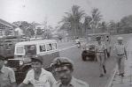 angkutan-kota-zaman-dulu-atau-biasa-di-sebut-taxi-jamban-di-kawasan-lapangan-merdeka-19771